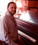 tim_piano